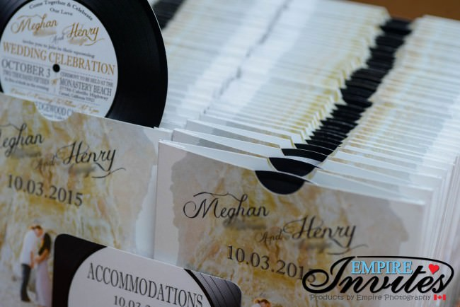 All our record label invites come fully assembled and shipped as shown